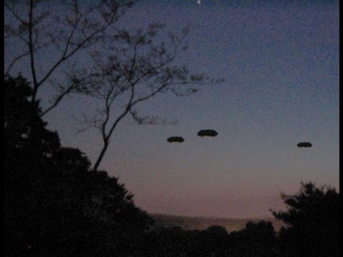 UFO Sightings - The Most Incredible UFOs Ever Caught on Tape!